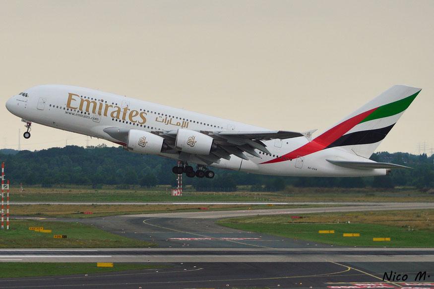 A380-800 (A6-EOA)