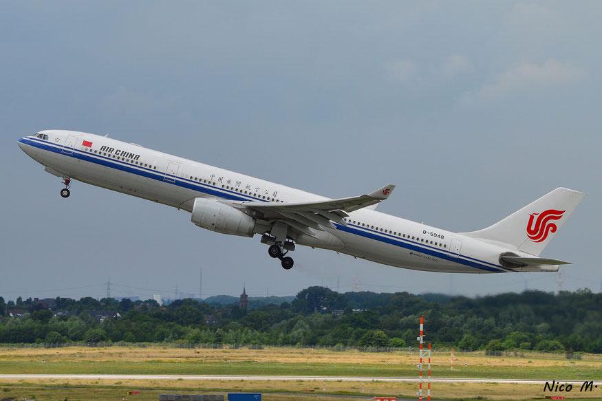 A330-300 (B-5948)