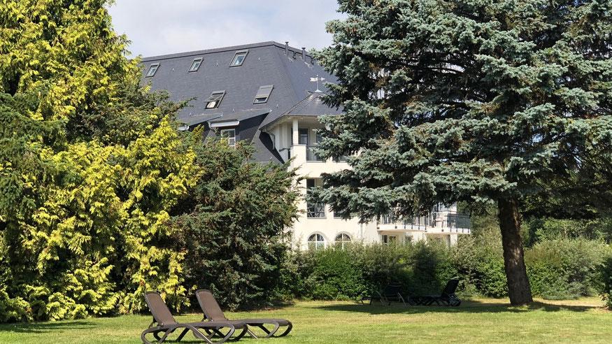 Residenz am Balmer See, Haus B mit Appartement 45, Ferienwohnung GolfundMeer, Liegewiese direkt am Balmer See,  Photo © Peter Schmidt