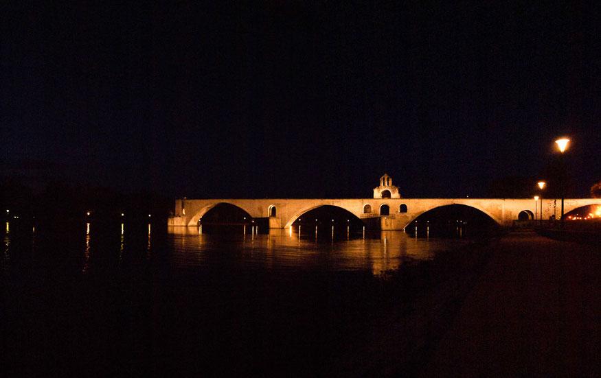 Die Brücke von Avignon - Sur le pont d' Avignon