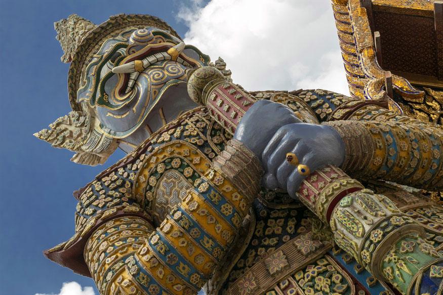 Milžinas saugantis Smaragdinio Budos šventyklą Bankoke