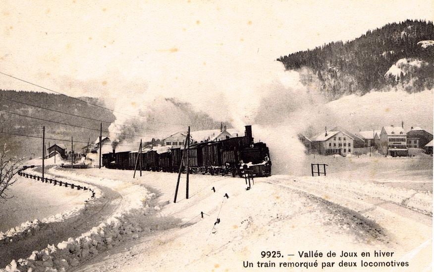 Inverno 1907. Occorrono due locomotive per affrontare la ripida salita delle Epinettes