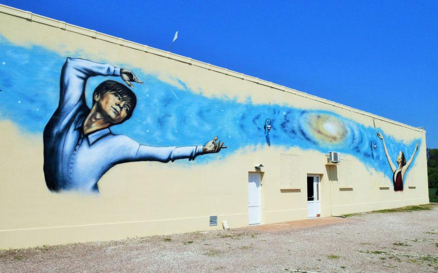 fresque-murale-coron-aube-galaxy-plaines-saint-lange-dancing