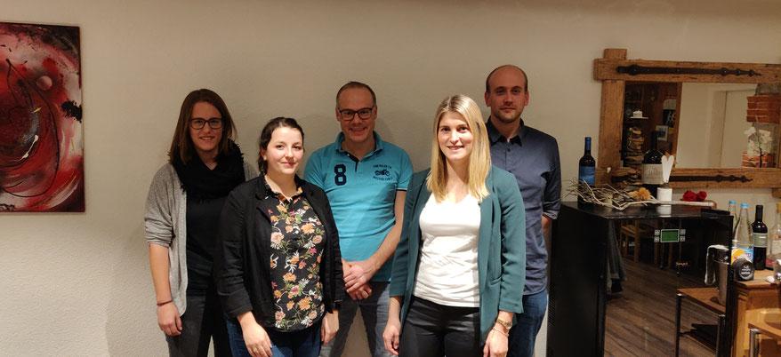Von links nach rechts: Erika Bischofberger; Sara Rechsteiner; Pascal Dietsche;  Marco Locher und Joel Niederer.