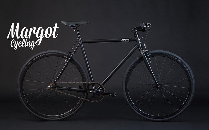 Bici fixed MATT BLACK. Semplice, minimalista, essenziale, vincente.