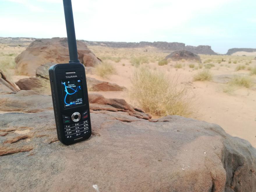 Dank dem Satelittentelefon haben wir auch hier draußen 1A-Empfang