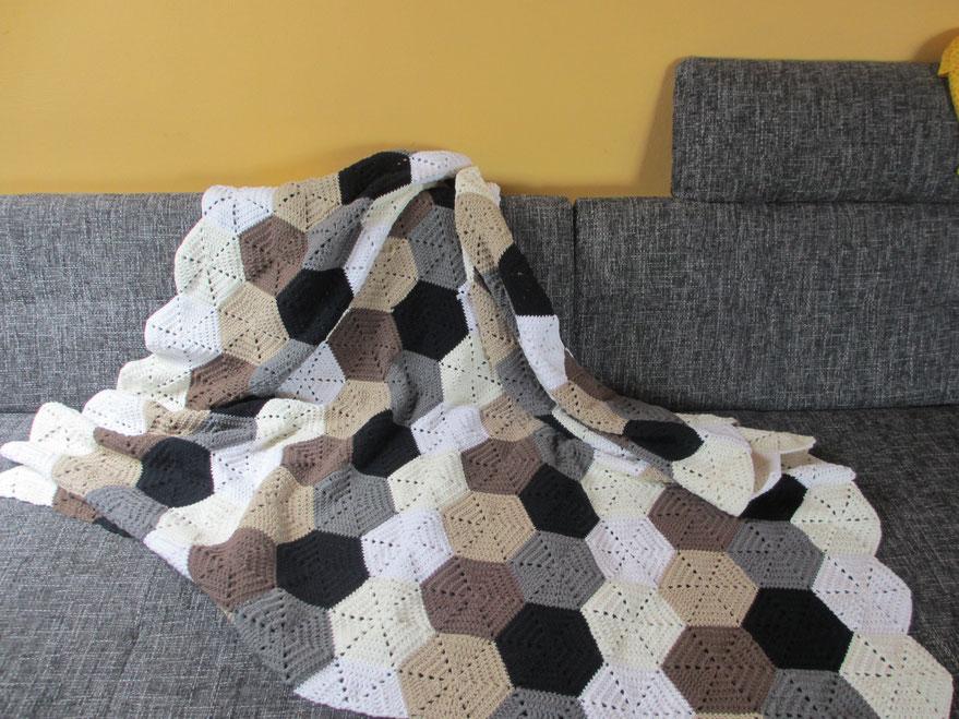 Projekt > Hexagon-Decke / Hexagon Blanket - Häkeln macht glücklich ...