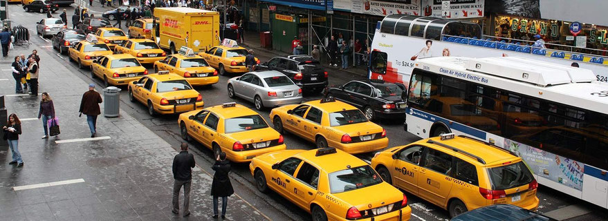 Viele gelbe Taxis in New York