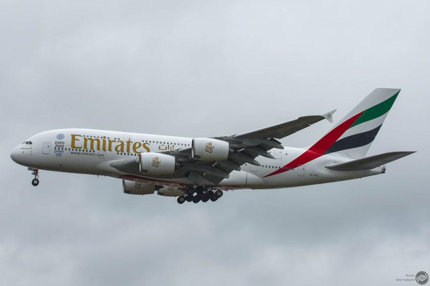 A380-800 (A6-EOZ)