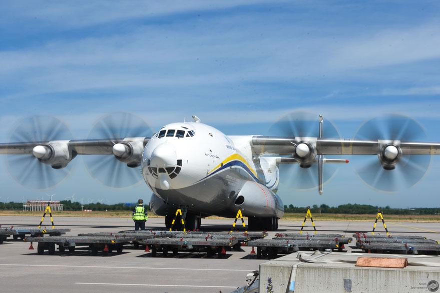An-22 (UR-09307)