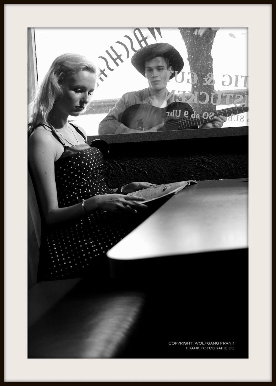 #027 Playing For Keeps (2013-10-22) - Fine Art Print auf Shil Masterclass Baryta 290, archivfest, naturweiß, gepuffert, schwarzer Galerierahmen mit Passepartout