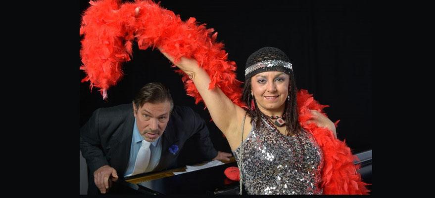rote Boa mit Duo Pianlola