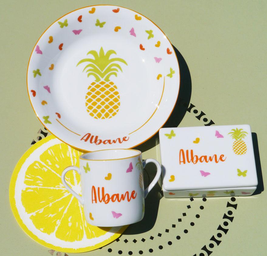 Vaisselle ananas colorée pour enfant