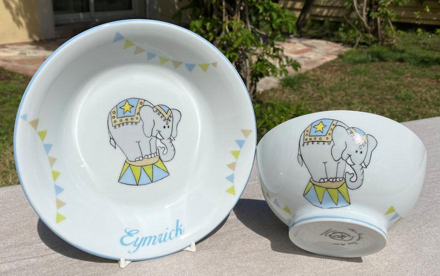 Vaisselle en porcelaine pour enfant sur le thème du cirque