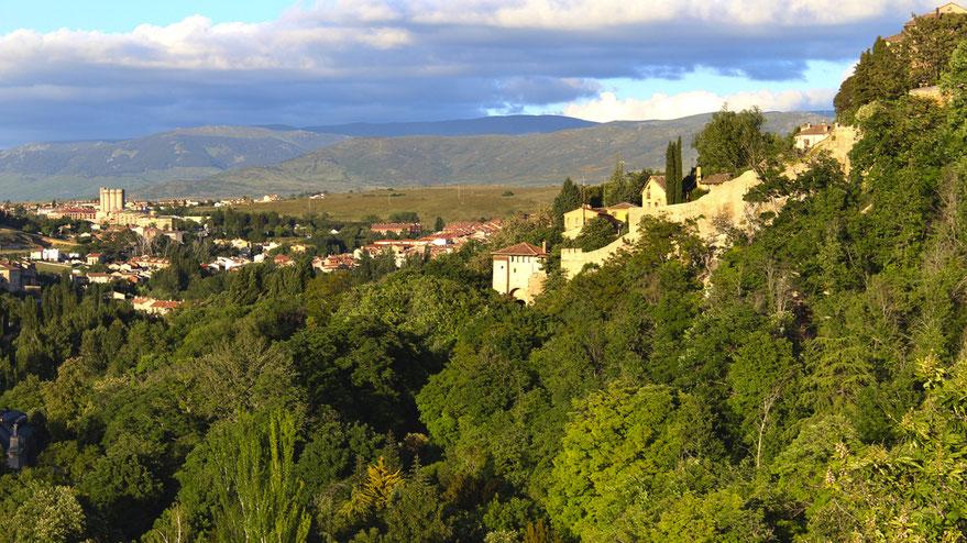 Valle del Eresma desde la muralla de Segovia