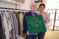 Günter Gregoritsch und Gisela Plank präsentieren Shopping, den Einkaufsführer mit den besten Einkaufsadressen aus der Region Mödling.