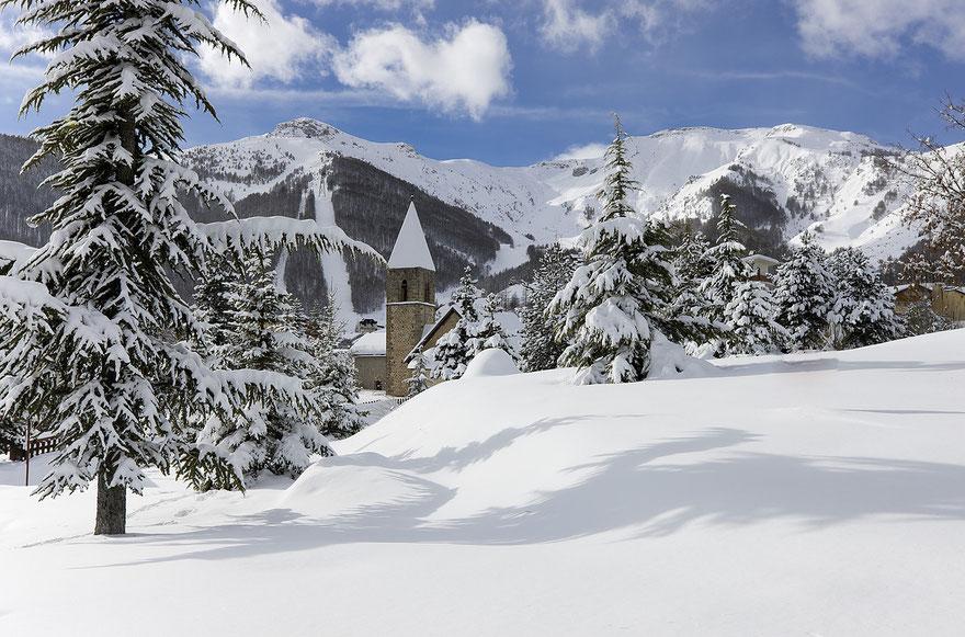 chapelle-sous-la-neige