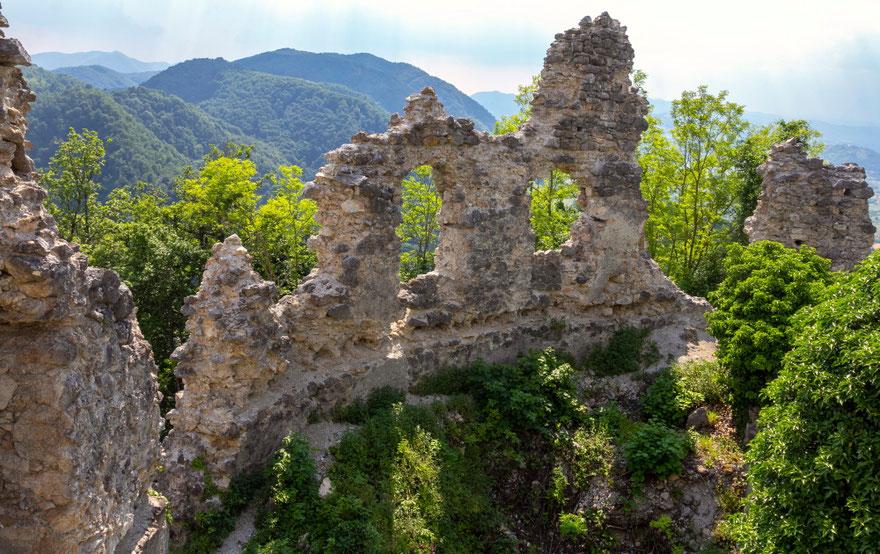Cesargrado pilies griuvėsiai prie Klaneco Kroatijos Zagoreje