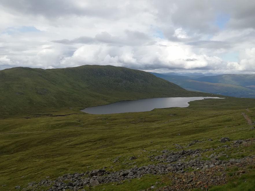 """""""Half Way Loch"""" (Lochan Meall an t-Suidhe) - ein See in den Bergen"""