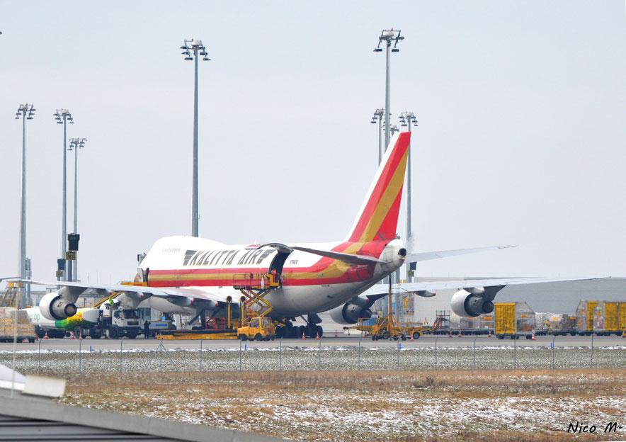 Beladung einer Kalitta Air B747-400F