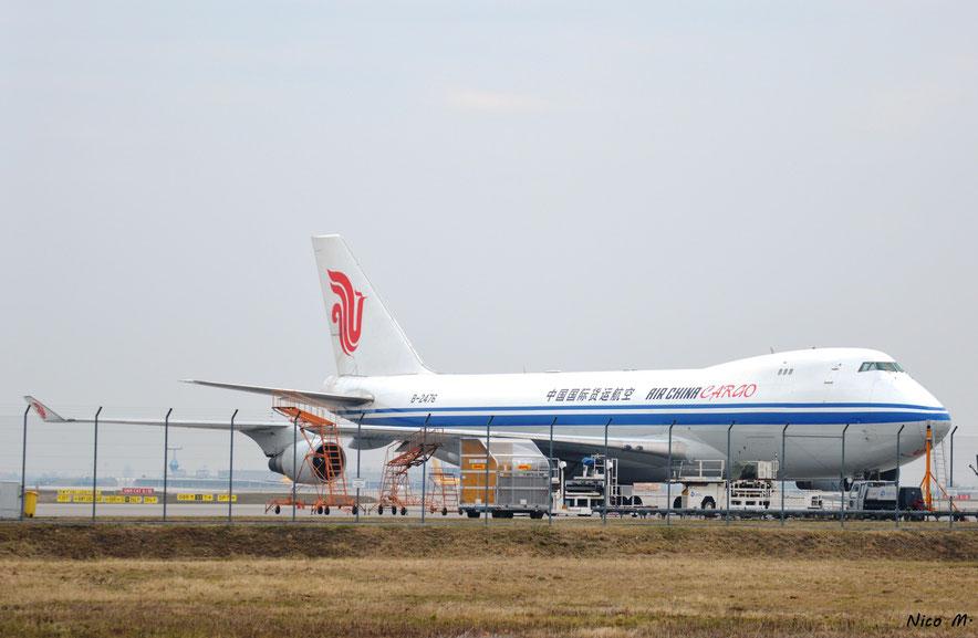 B747-400F (B-2476)
