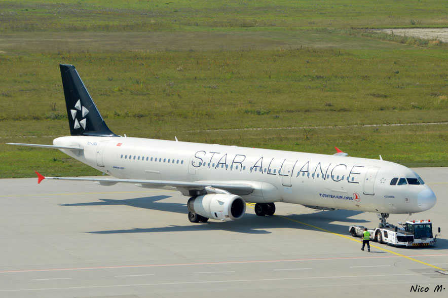 A321-200 (TC-JRA)