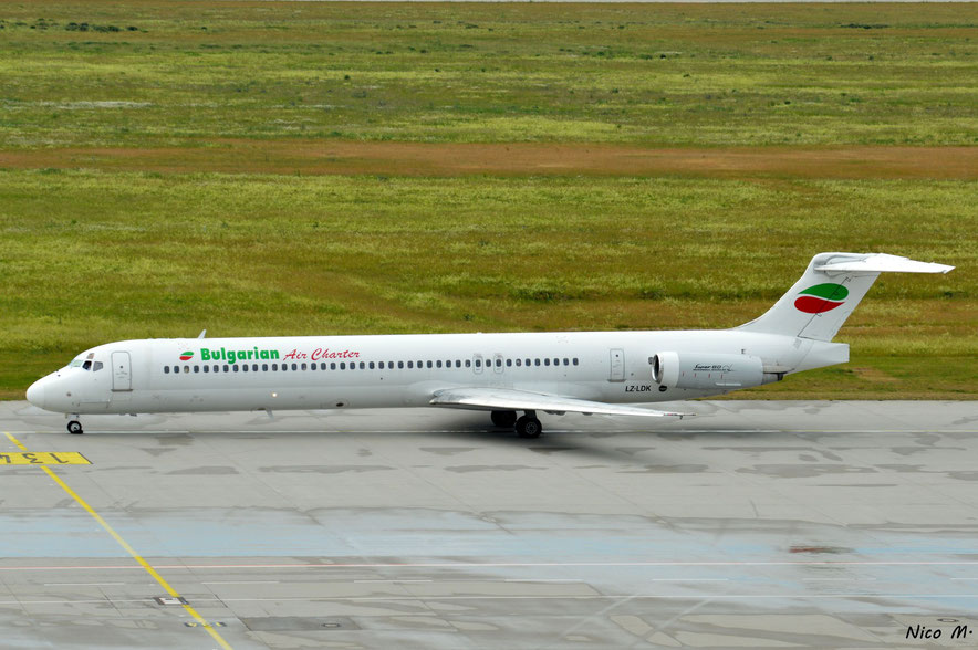 MD-82 (LZ-LDK)