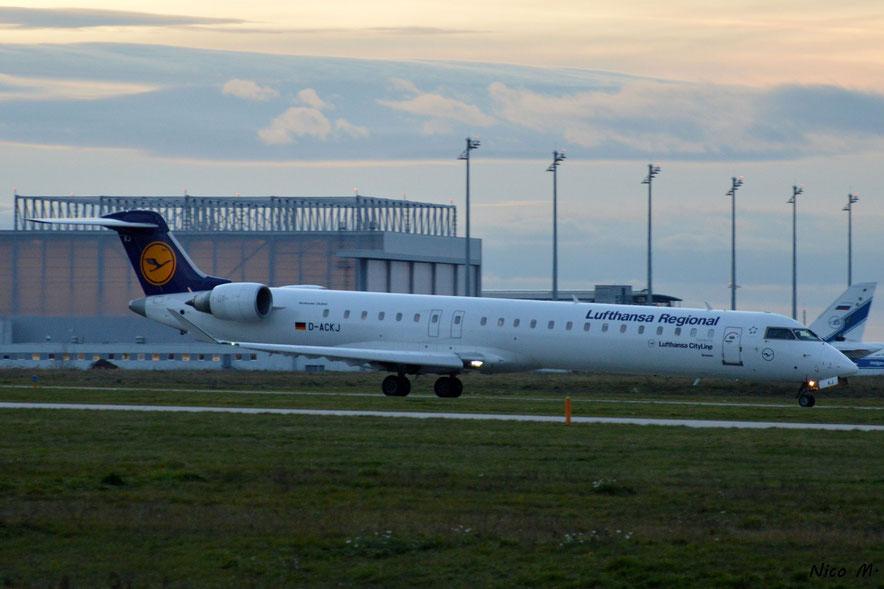 CRJ-900 (D-ACKJ)