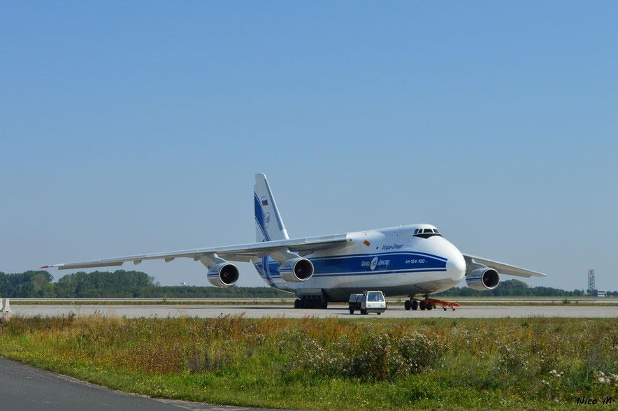An-124 (RA-82070)