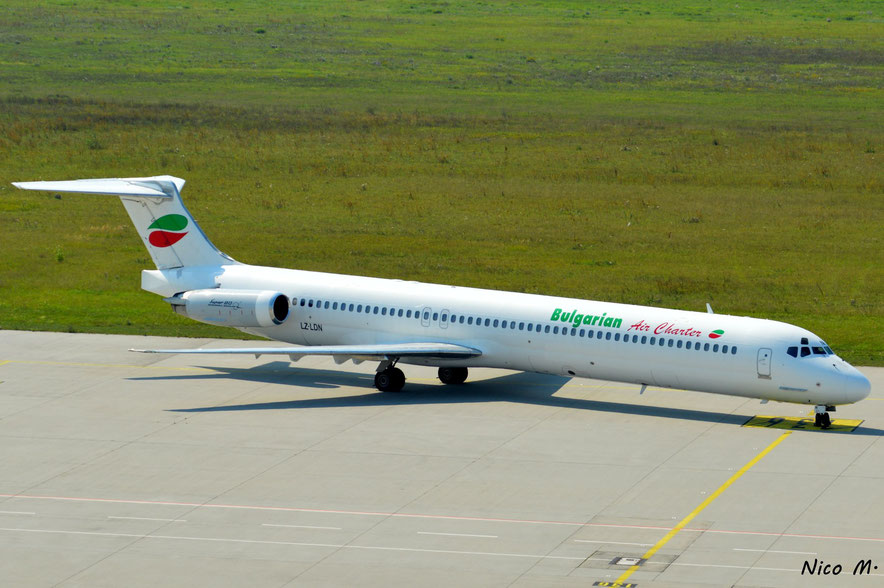 MD-82 (LZ-MDN)