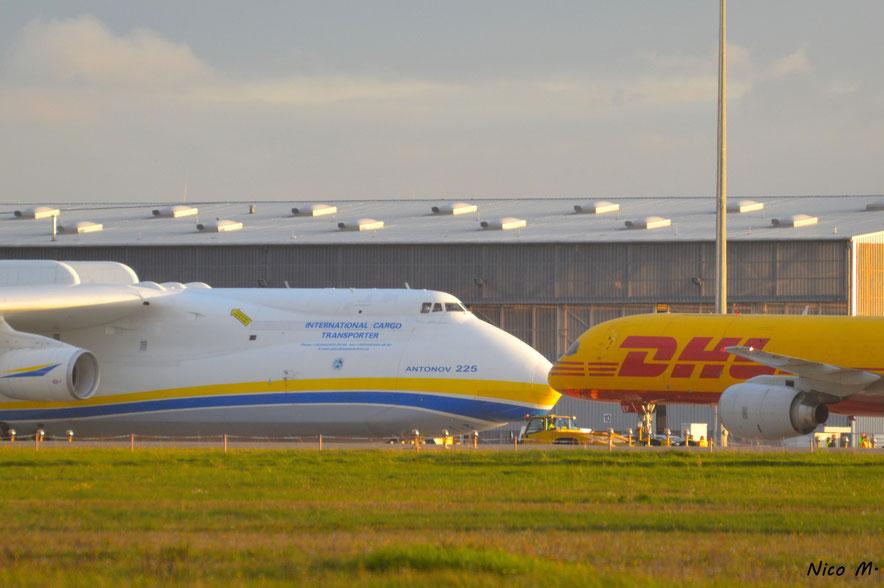 An-225 (UR-82060) und B757-200F (D-ALEF)