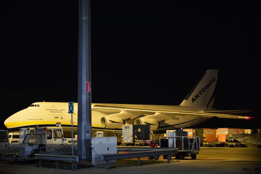 An-124 (UR-82029)