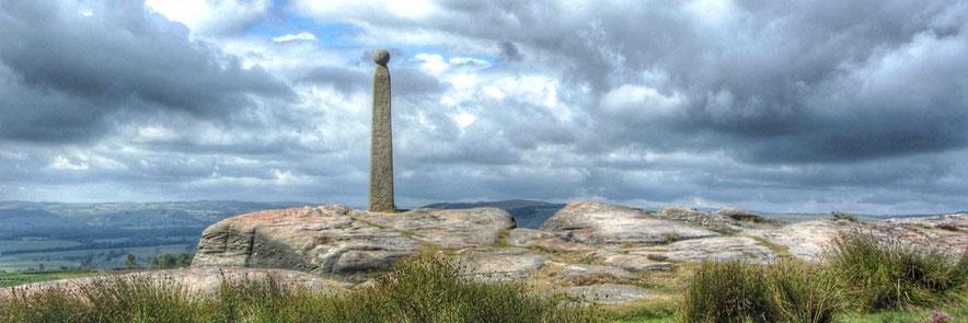 Nelsons Monument. Birchen Edge