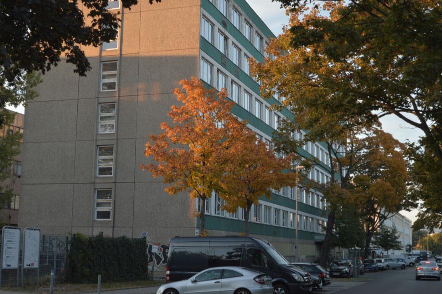 Bild von der Genslerstraße und dem Atelierkomplex