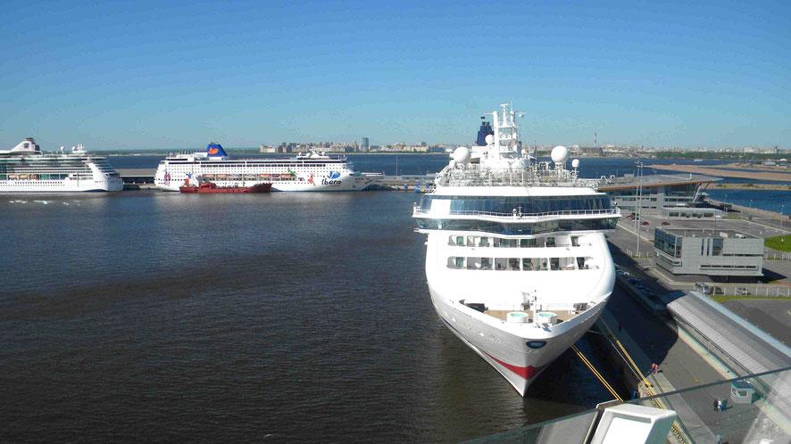 Liegeplatz für Kreuzfahrtschiffe in St. Petersburg