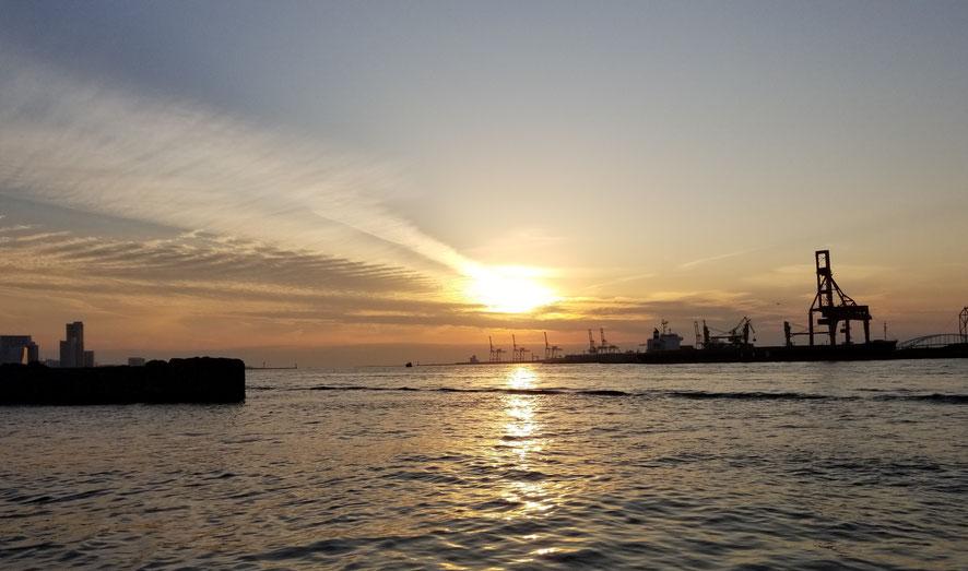 南港の夕日に癒された