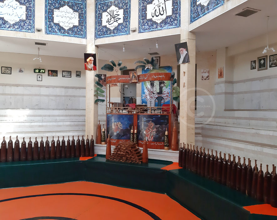 Sardam, l'altare del morshed - Zurkhaneh Ali Gholi Agha, Esfahan (Iran)