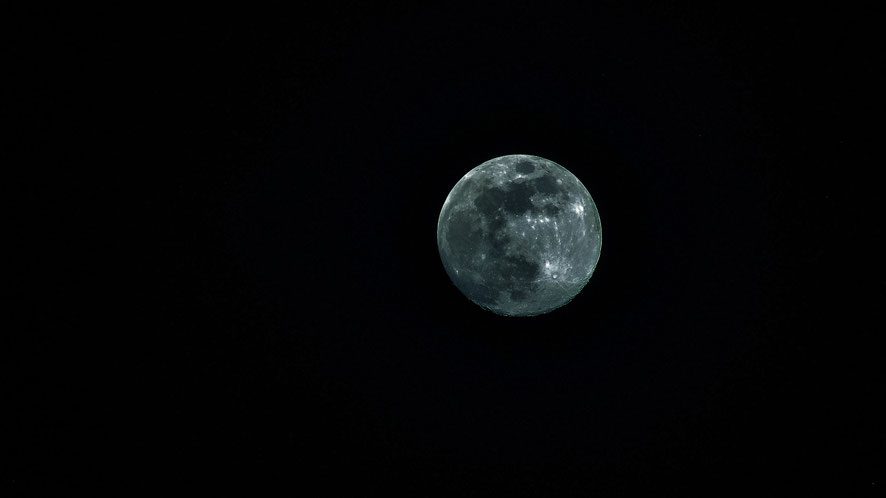 Une demande de mariage autour de la Lune