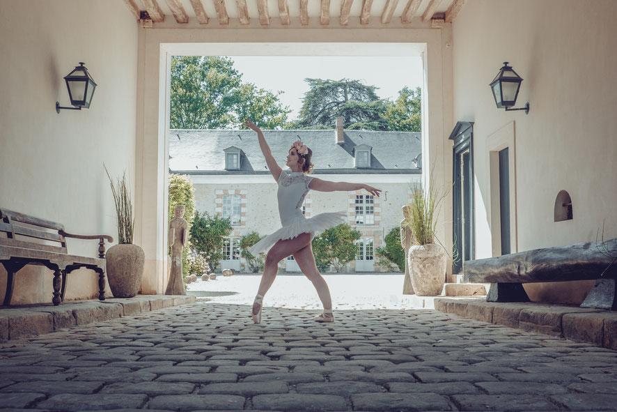Shooting d'inspiration : Mariée à la Française - Crédit photo : @ticolibripictures