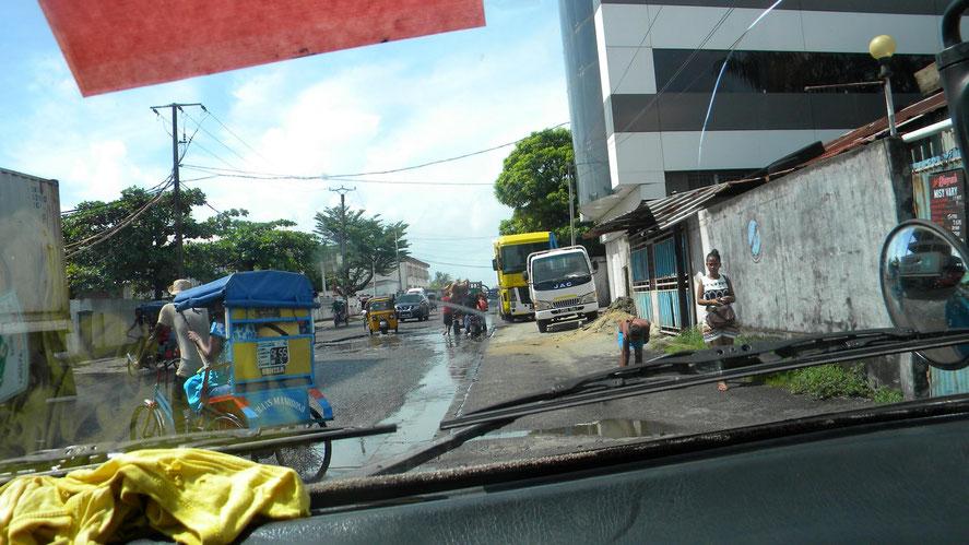 Fahrt durch Toamasina