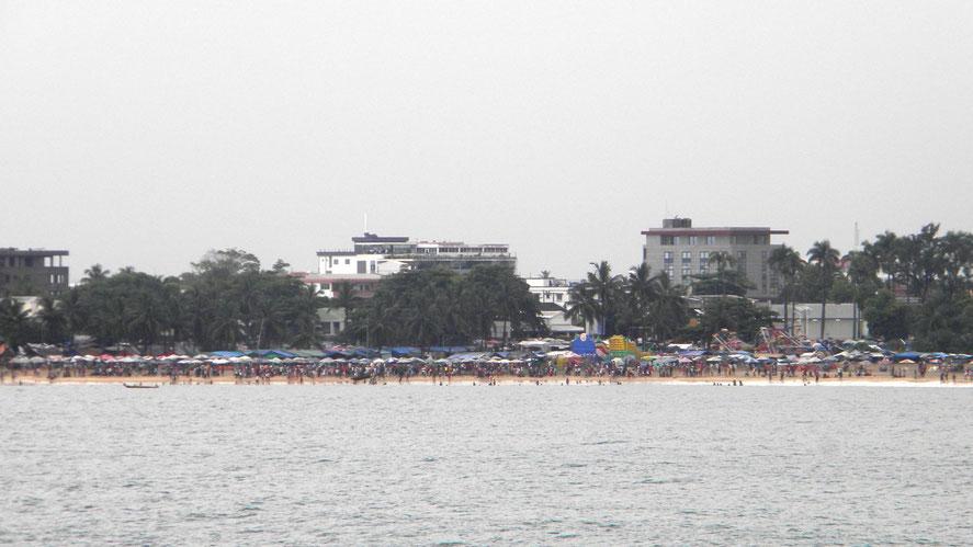 Strand von Toamasina (in der Nähe des Hafens)