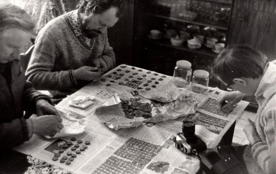 Archeologai skaičiuoja Tauragnų lobio monetas