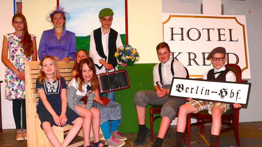 Freuen sich auf Ihren Auftritt: die jungen Schauspieler der Quickborner Speeldeel