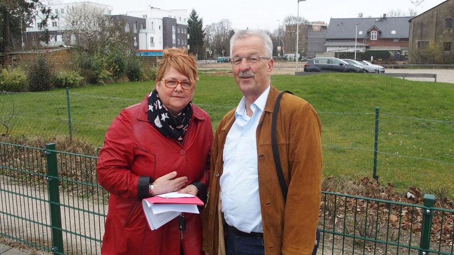 Die SPD-Fraktionsvorsitzende Astrid Huemke und Ratsherr Karl-Heinz Marrek stellten ihre Vorschläge vor Ort vor.