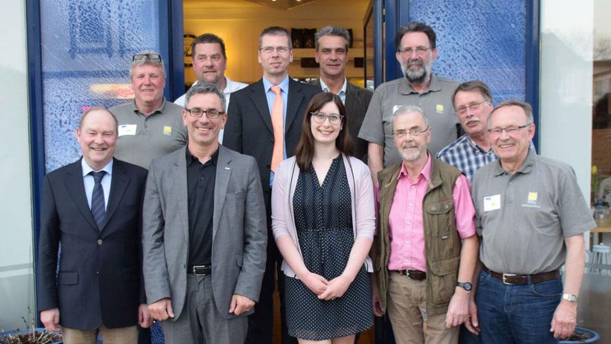 Neben den sieben Vereinsmitgliedern nahmen Stadtwerke-Chef Dr. Panagiotis Memetzidis und Mitarbeiterin Jeannine Müller sowie Richard Janssen (vordere Reihe Mitte) teil, außerdem Christian Rohde (hintere Reihe 2.v.r.) neben Vereinschef Jens-Olaf Nuckel