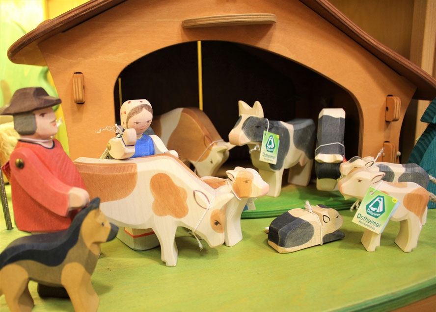 Holzspielzeug, Holzfiguren