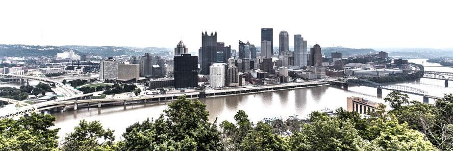 Pittsburgh Skyline (Copyright Martin Schmidt, Fotograf für Schwarz-Weiß Fine-Art Architektur- und Landschaftsfotografie aus Nürnberg)