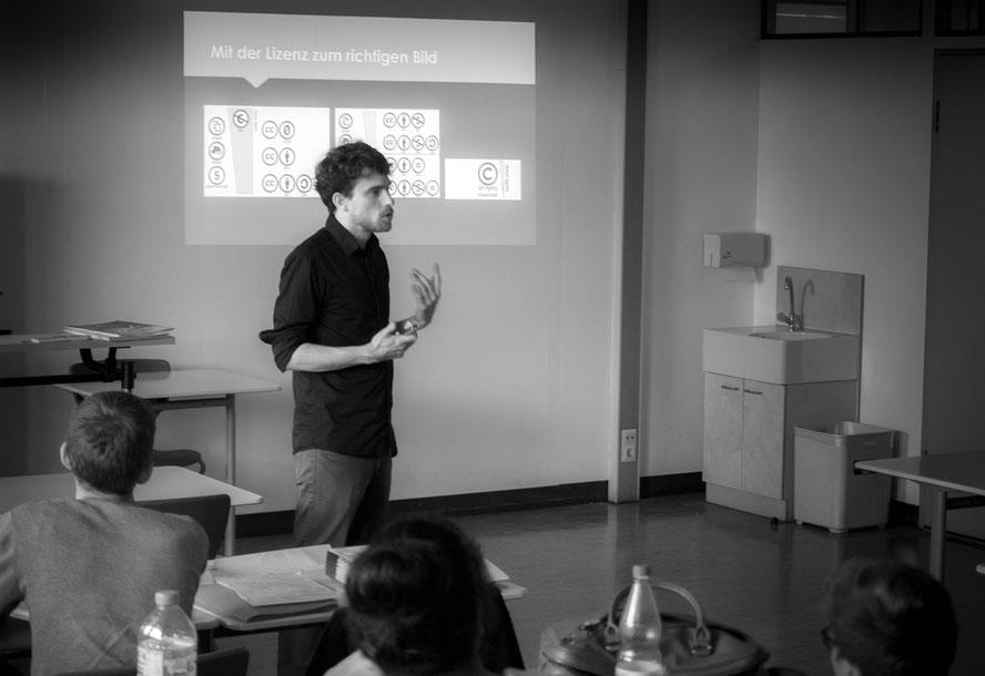 """Seminar zu """"Urheberrecht digital"""" und """"Marketing"""" am 19.5.17 an der Klara-Oppenheimer-Schule in Würzburg. Foto: Luca Graf"""
