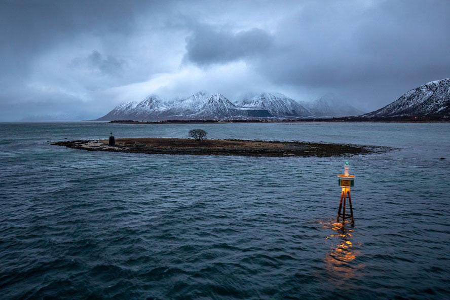 Hurtigruten Schifffahrt MS Vesterålen Tromsø Svolvær Lofoten Landschaft im Winter