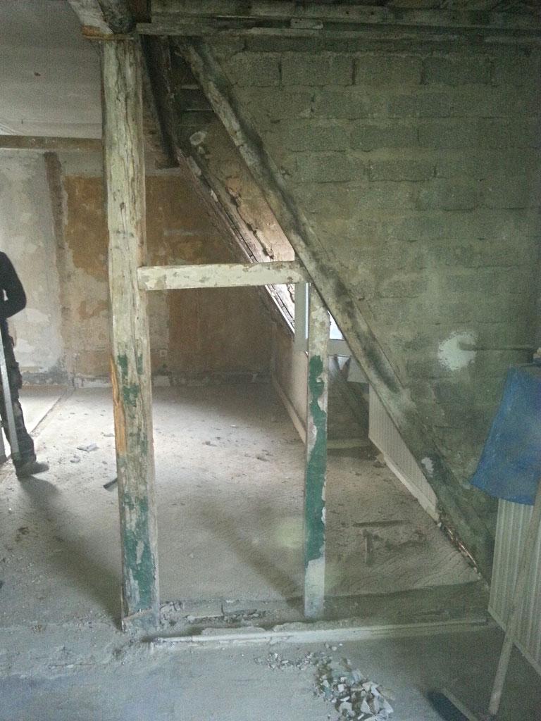 Entkernung des Dachgeschosses